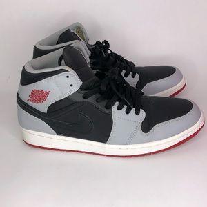 Iike new worn once men's Jordan's black grey red